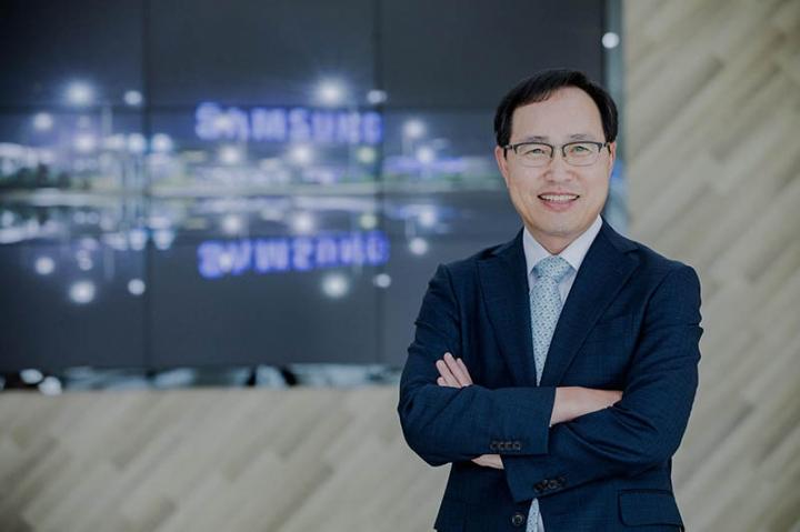 """Tổng giám đốc Samsung Việt Nam """"hiến kế"""" để sản xuất không bị gián đoạn"""